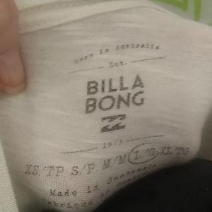 Billabong Tops - EUC Billabong California Love Graphics T-shirt L